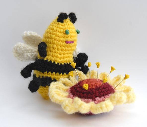 abeille au crochet