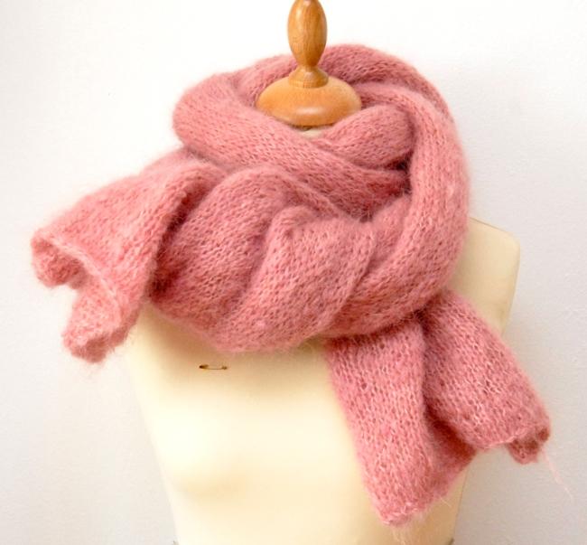 écharpe mohair rose poudre 1