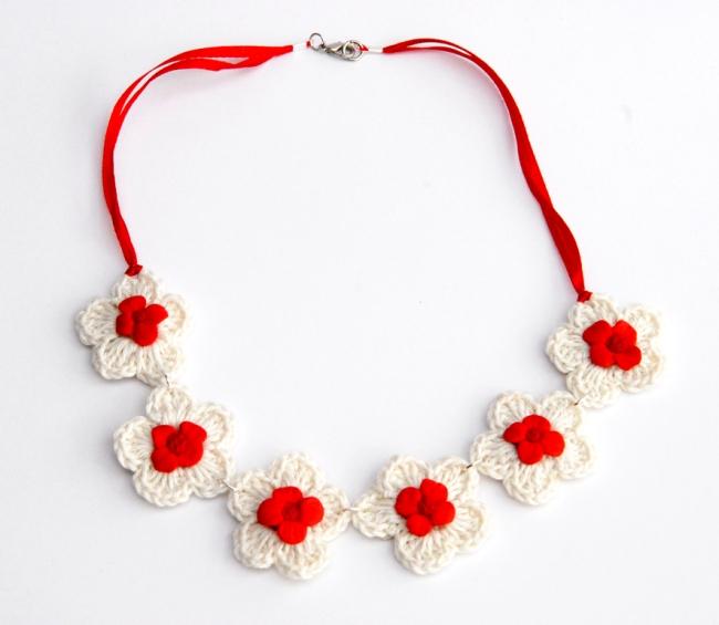 collier crochet fleur fimo 1