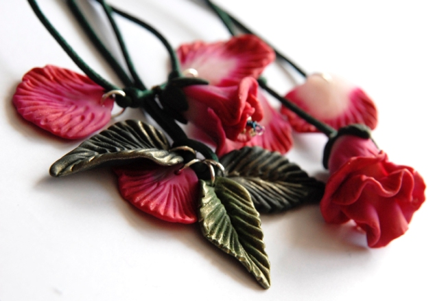 collier pendentif fleur en fimo 1