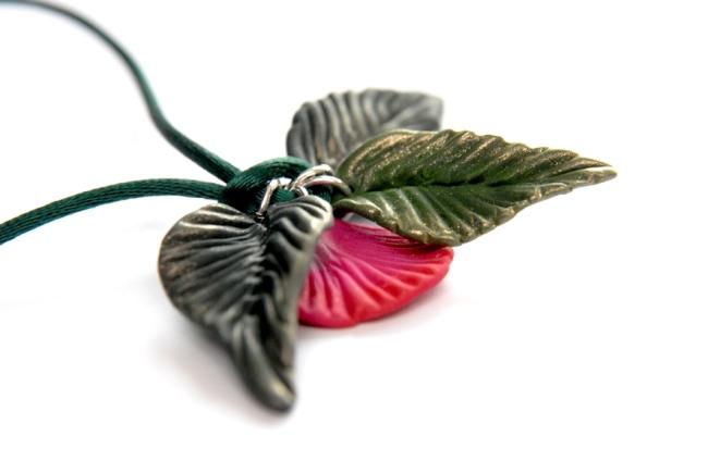 collier pendentif fleur en fimo 2