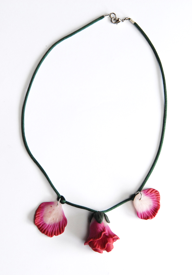 collier pendentif fleur en fimo 7
