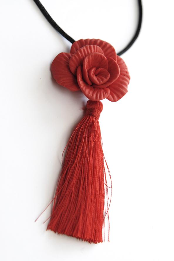 collier pendentif rose fimo 2
