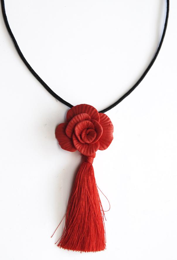 collier pendentif rose fimo 3