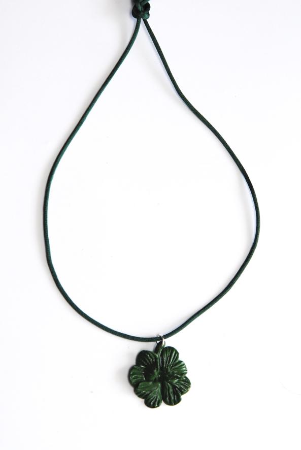 collier pendentif trèffle en fimo 3