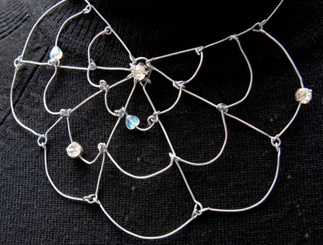 collier toile d'araignée v4