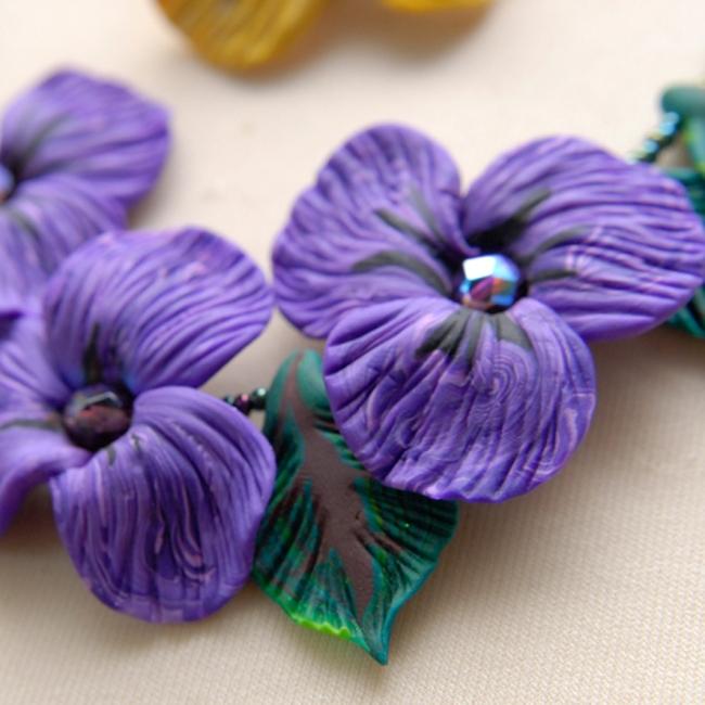 colllier de violette vue 2