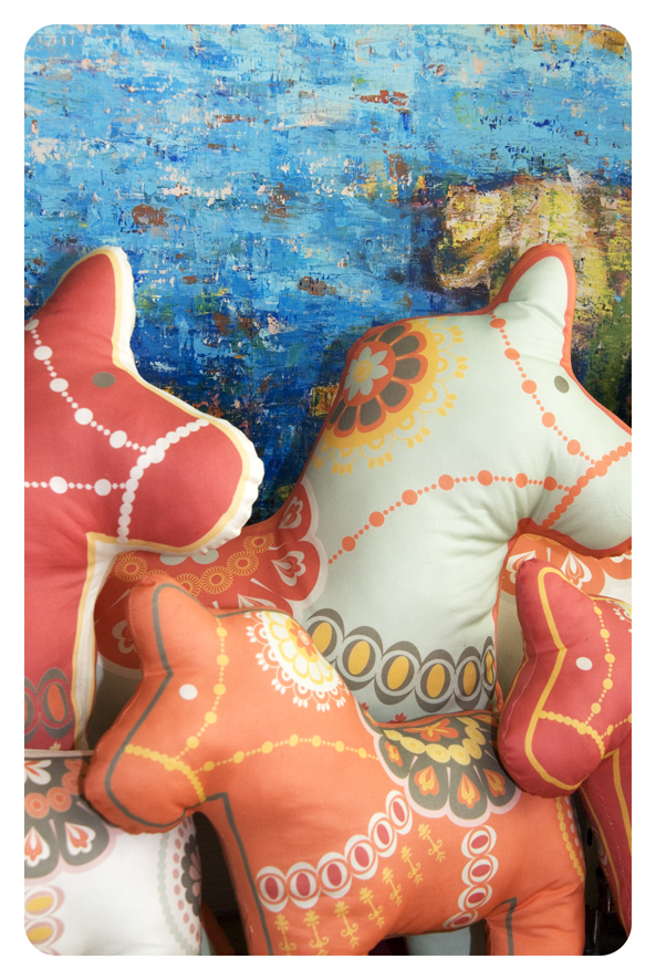 cut and sew pilow dala horse 4