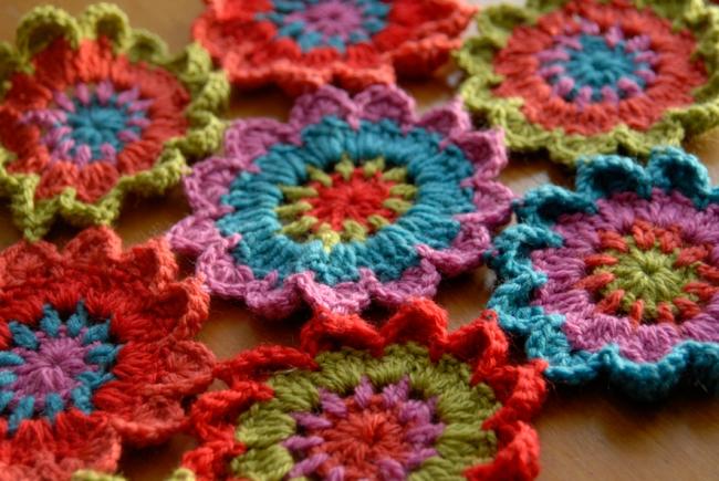 echarpe fleur au crochet 1