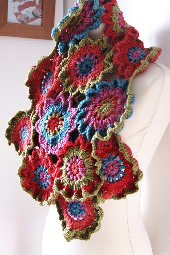 echarpe fleur au crochet 5