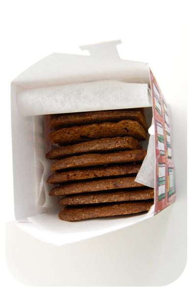 free printable house gift box boite cadeau maison à imprimer 3