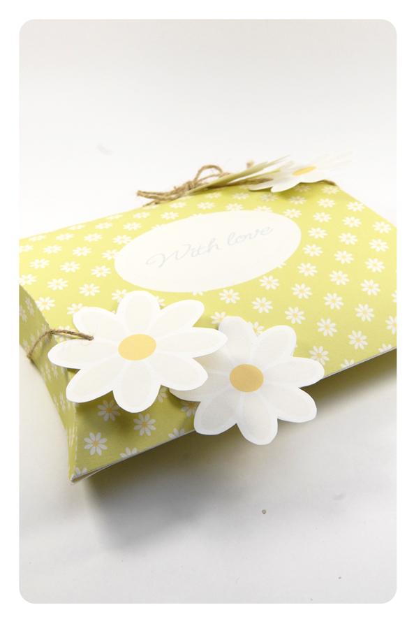 free printable valentine pilow box 11