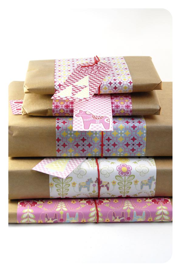 free printable wrap paper dala horse 6