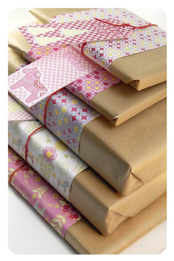 free printable wrap paper dala horse 8