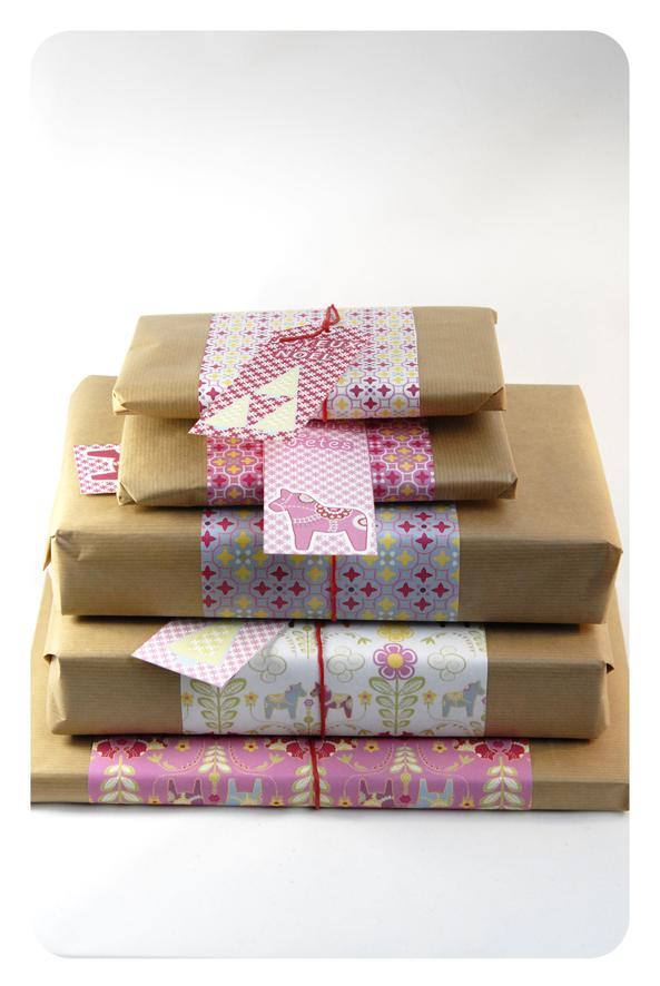 free printable wrap paper dala horse 9