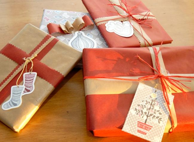 gratuit étiquette pour cadeau de noel motif sapin visuel