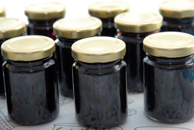home made jam- confiture de mure maison 1