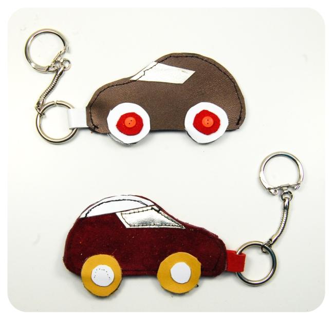 porte clé voiture en chute de cuir 1