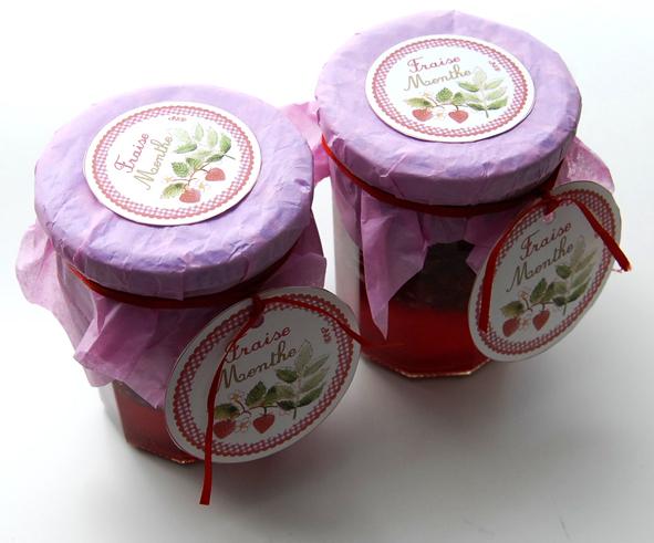 pot de confiture fraise menthe