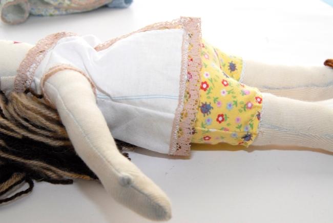 poupée en tissu enceinte