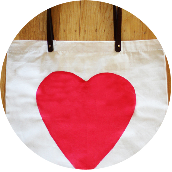 tote bag avec coeur imprimé 3