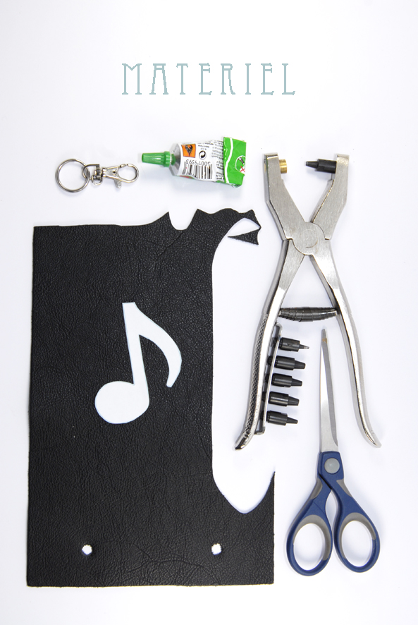 tuto porte clé note de musique en cuir matériel