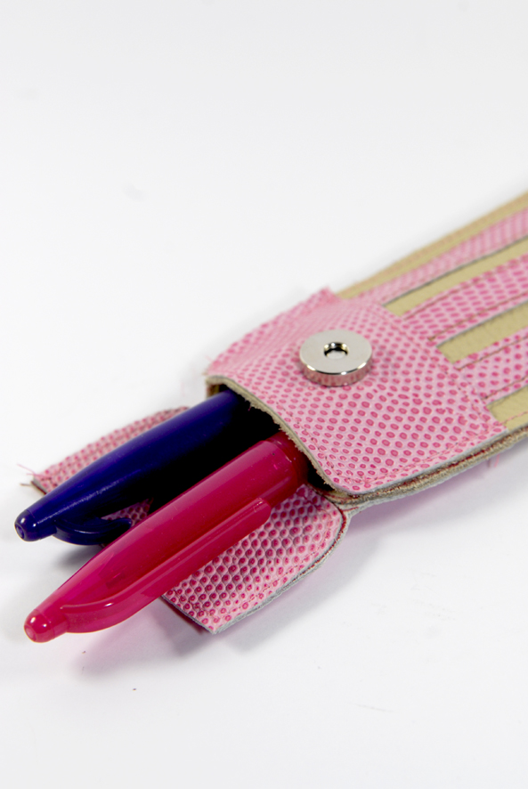 DIY little leather pensil pouch trousse crayon 8
