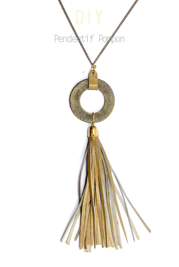 pendentif pompon en cuir doré 4