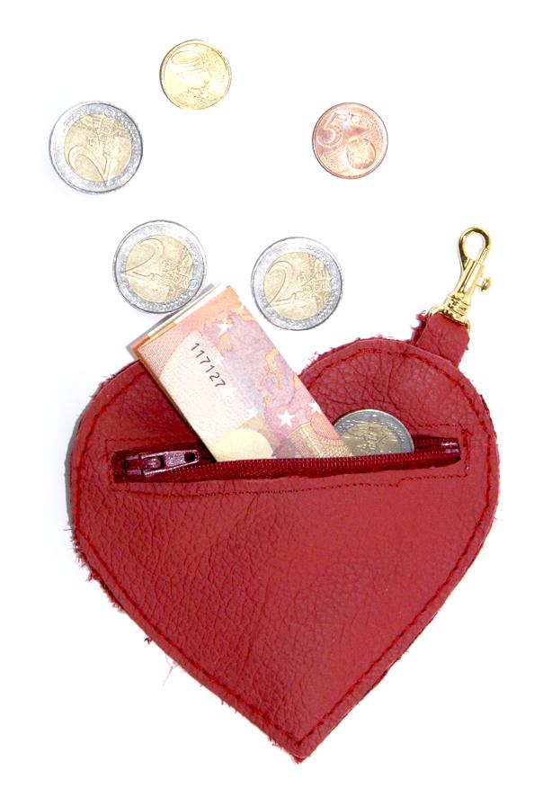 DIY porte monaie coeur en cuir rouge