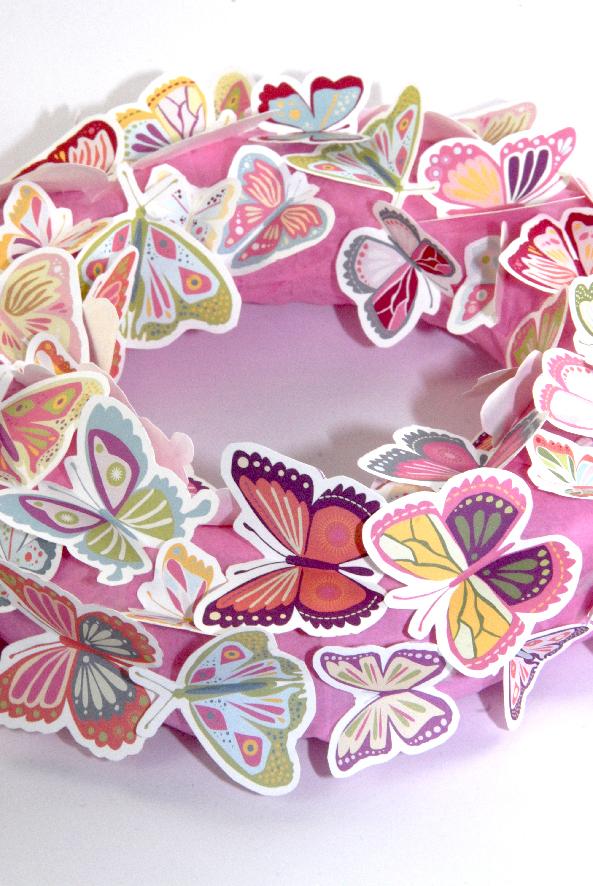 free printalble butterfly wreath 7