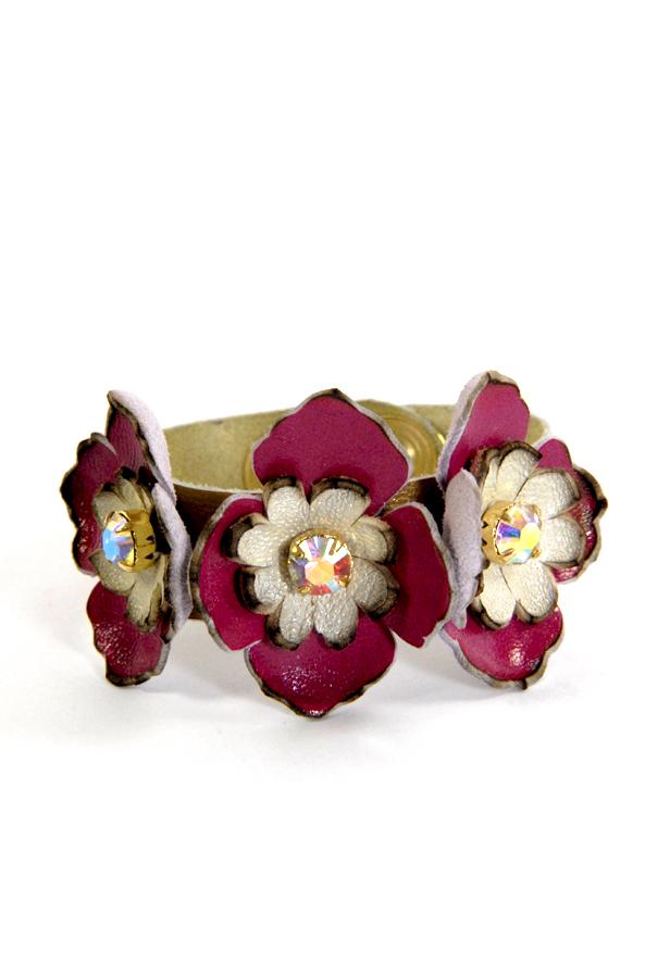 DIY bracelet à fleurs en cuir 1