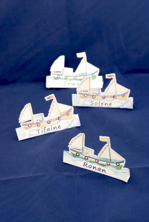 gratuti marque place chalut en papier à découper free printable place marker boat