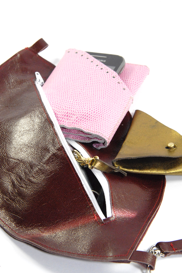 DIY pochette bouche en cuir 3
