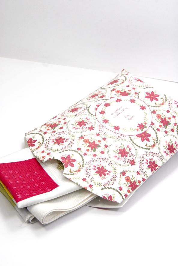 gratuit-boite-cadeau-a-imprimer-free-printable-gift-box-poinsettia-christmas-1