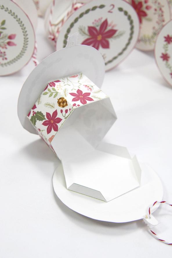 gratuit-calendrier-de-lavent-boule-de-noel-a-imprimer-free-printable-advent-calendar-photo-1
