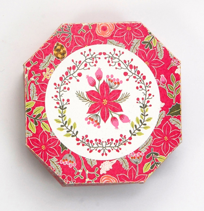 gratuit-boite-poinsettia-hexagonale-free-printable-christmass-box-baie