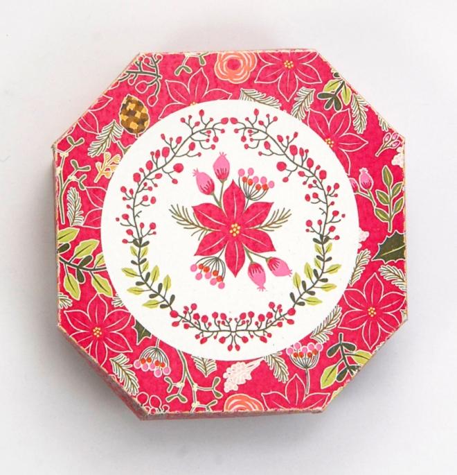 gratuit-boite-poinsettia-hexagonale-free-printable-christmass-box-baie