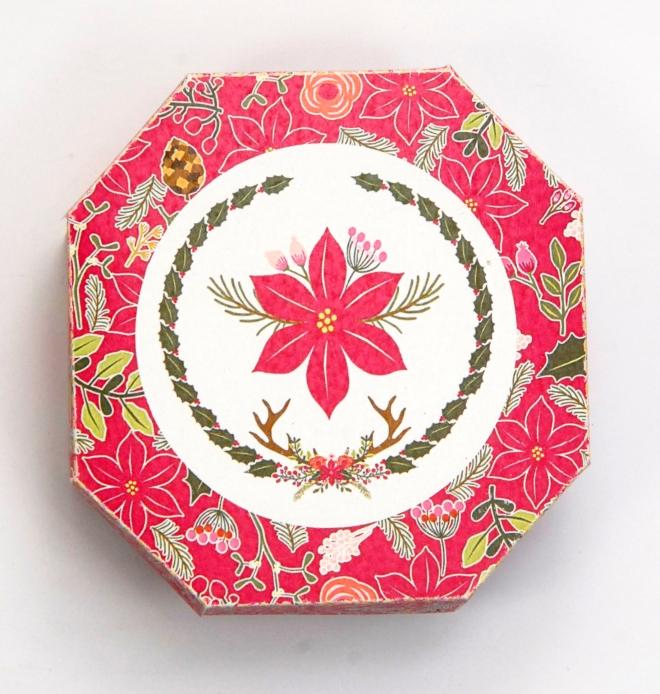 gratuit-boite-poinsettia-hexagonale-free-printable-christmass-box-cerf