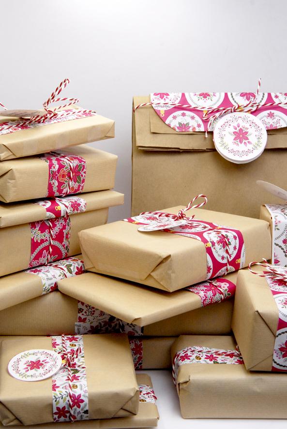 gratuit-papier-cadeau-motif-poinsettia-free-printable-christmas-wrap-1